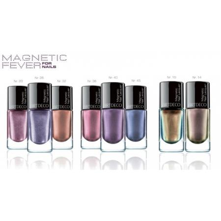 Différentes couleurs de vernis à ongles magnétiques