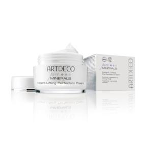 Instant Lifting Perfection Cream : Crème anti-âge lissante et régénérante et adoucissante pour tout les types de peau